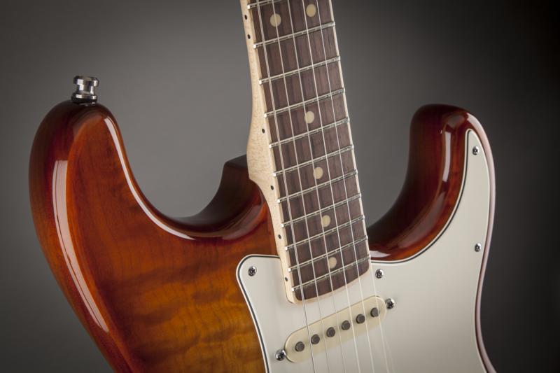 Fender Select Strats, encore un truc pour vous empêcher de dormir...